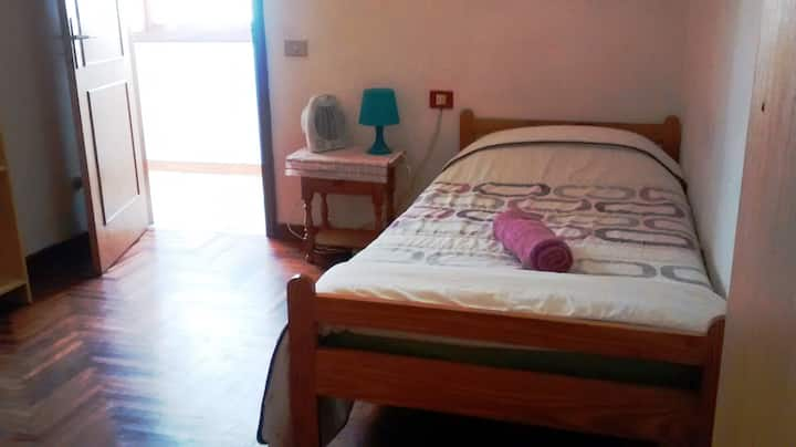 Spacious single room in La Laguna