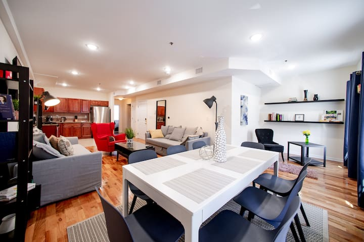 Very modern apartment , close to subway to NYC!