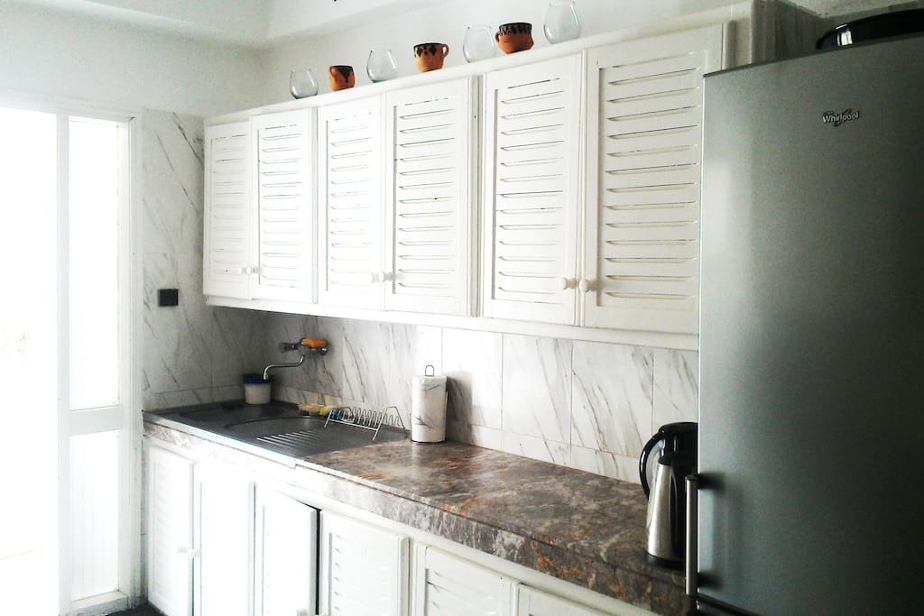 Spotless Kitchen with second balcony!