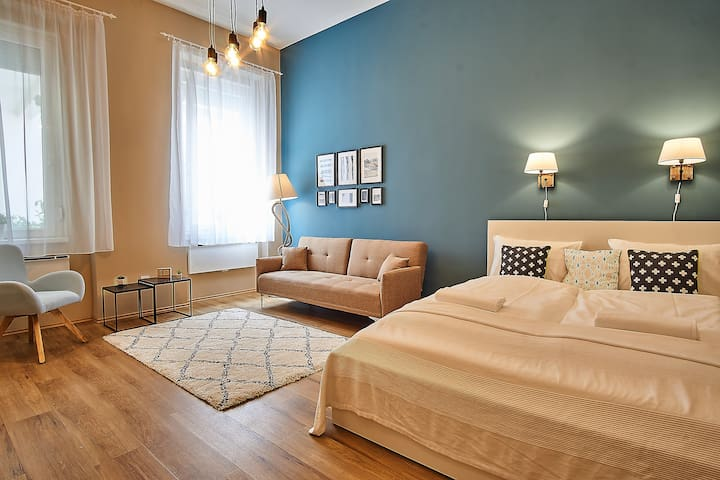 :: livingroom   bedroom