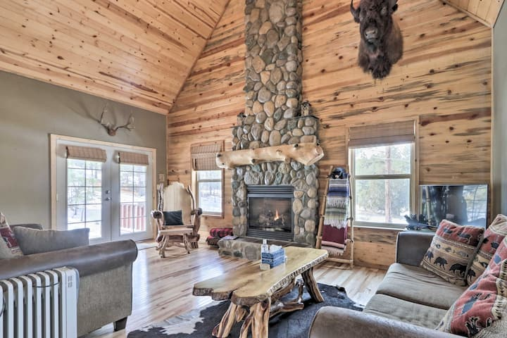 NEW! Cozy National Forest Escape w/ Porch & Games!