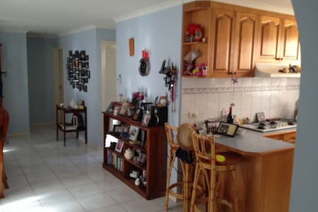 3 bedroom home, one room available