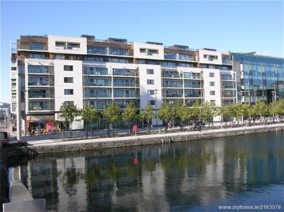 Beautiful Apartment in Grand Canal Square - Condominiums ...