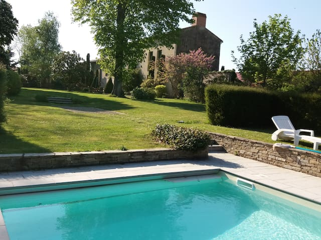 2 chambres de charme au calme - piscine