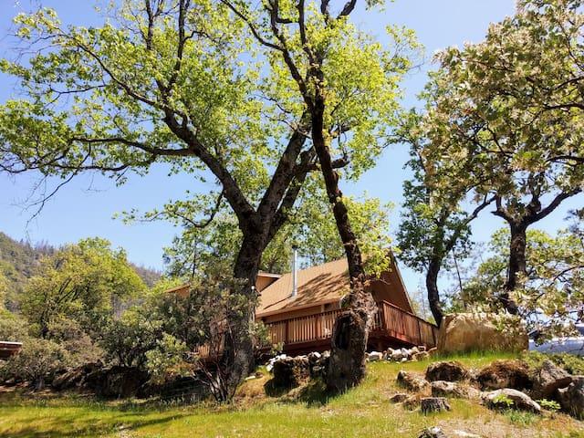 Nature Retreat-Waterfalls, Nat'l Forest, Yosemite