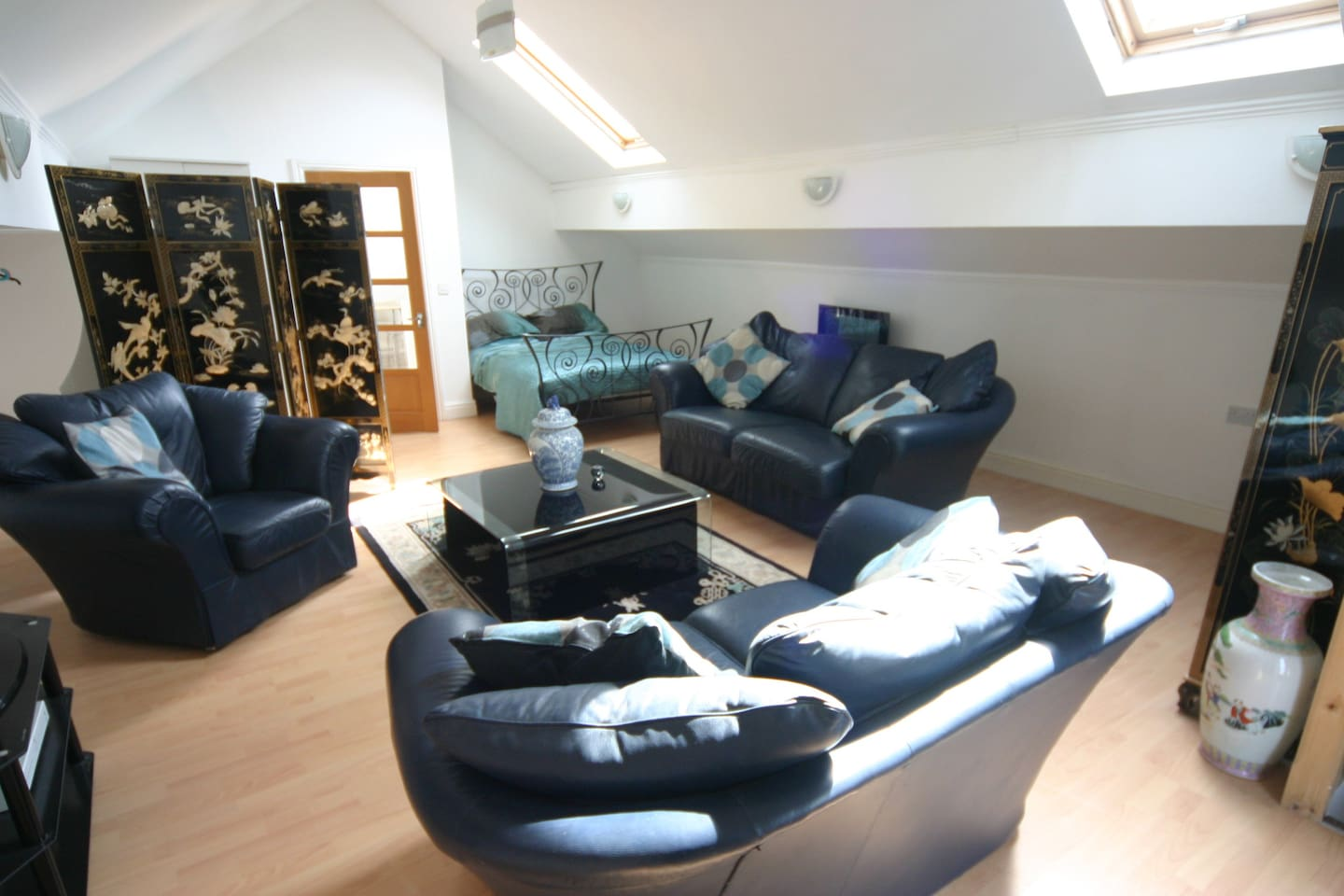 Spacious living area with plenty of sitting space, Satellite TV, Office Space / Changing area WIFI, Comfy Double Bed