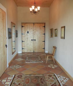 Peaceful Straw Bale Retreat - Spring Creek - Casa