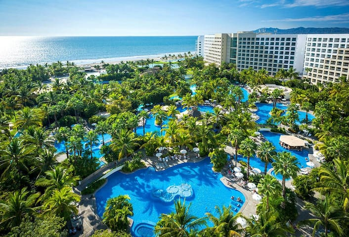 One bedroom next to private beach with ocean views - Nuevo Vallarta - Appartement
