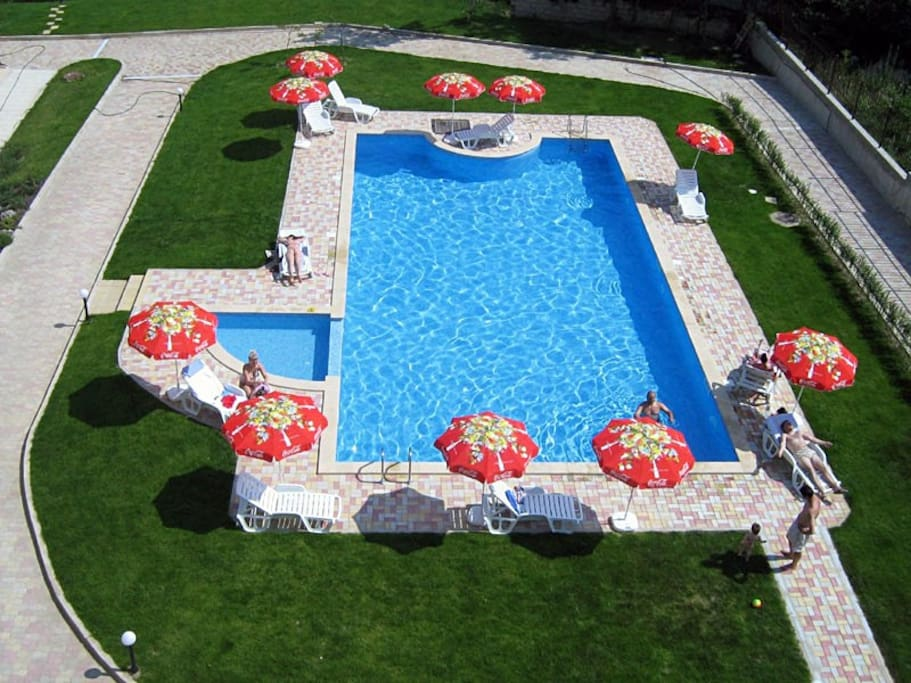 High class luxury property with swimming pool