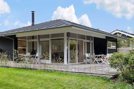Elegant Holiday Home in Hals with Whirlpool