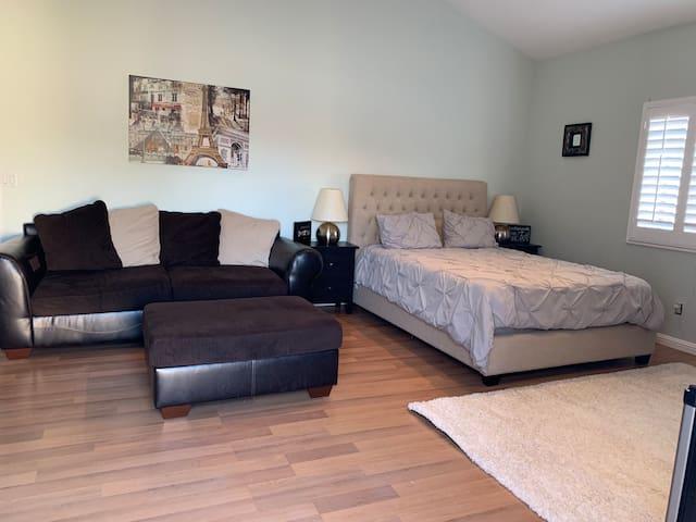 LAX Luxury Private Suite