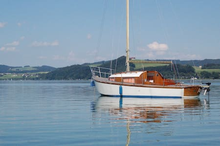 Segelyacht aus Holz - 塞基興(Seekirchen am Wallersee) - 船