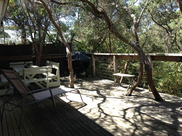 A home among the tea trees of Blairgowrie - Blairgowrie - House