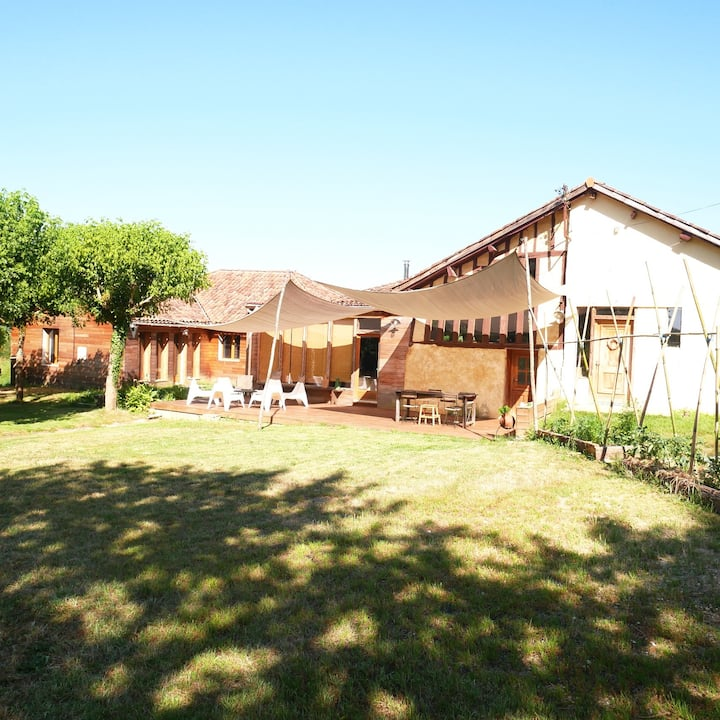 Grande maison calme  piscine entre Gers & Landes