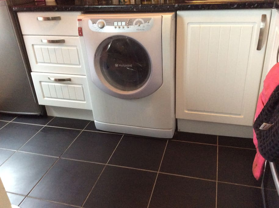 Fully equipped washing machine for guest use