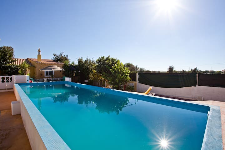 Just two minutes walk from railway! - Cidade de Silves