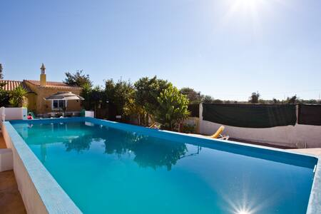 Just two minutes walk from railway! - Silves Municipality - Villa