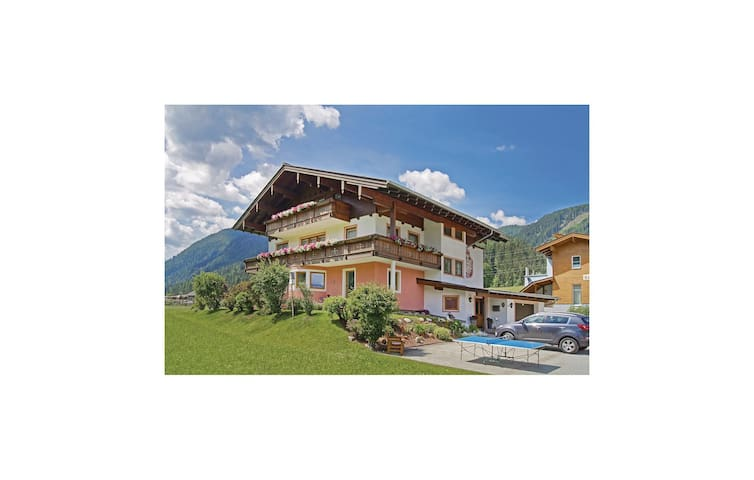 Holiday apartment with 2 bedrooms on 65m² in Flachau