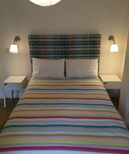 Modern self-contained studio flat within townhouse - Wantage - Wohnung
