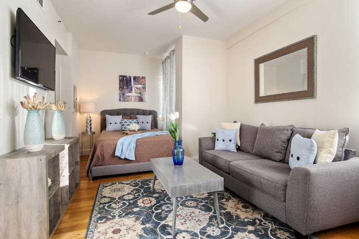★★ Awesome Downtown NOLA Apartment!!! ★★