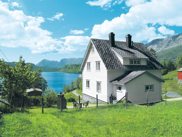 Holiday home in Dale i Sunfjord