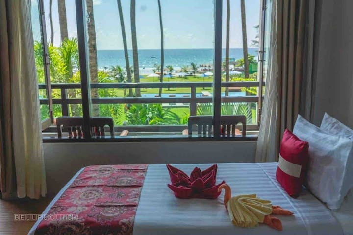 Hotel Lux -Superior Sea View Room @Ngwe Saung