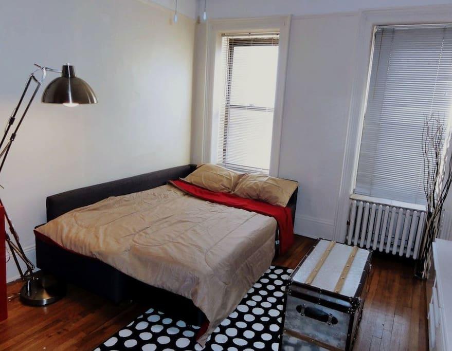 Комната с диваном-кроватью