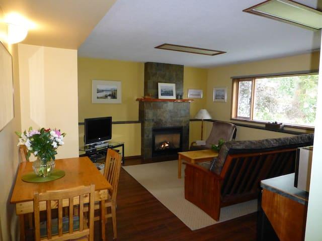 Relaxinn Guesthouse - Golden - Gæstehus