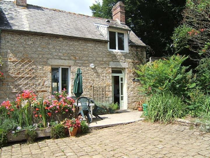 1 Bedroom Apartment In  Beautiful Normandy