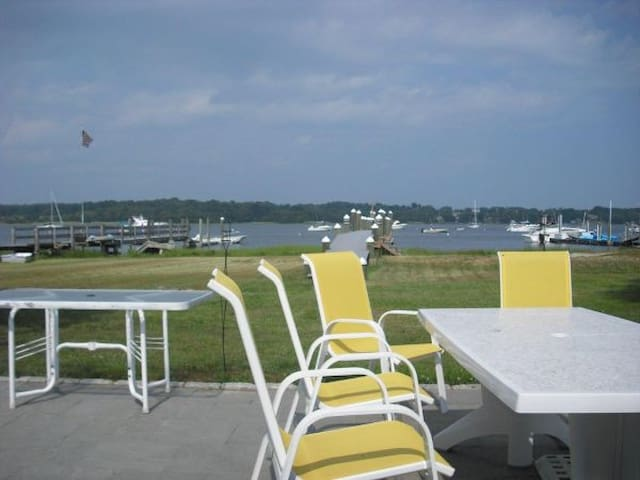 Waterfront Summer Rental: Historic Bristol RI - Bristol - Huis