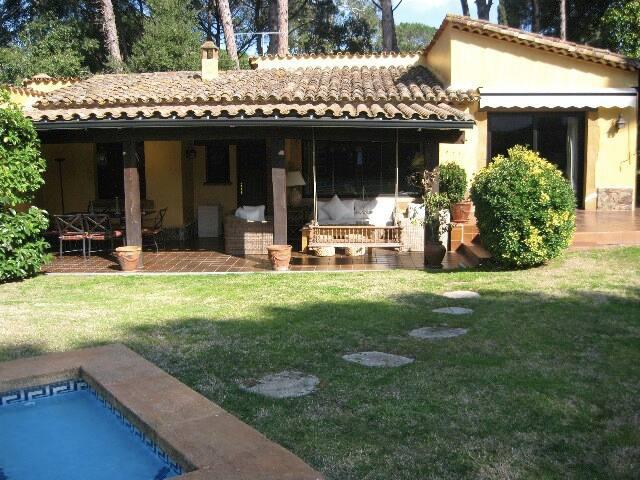 Cosy house in Golf Costa Brava