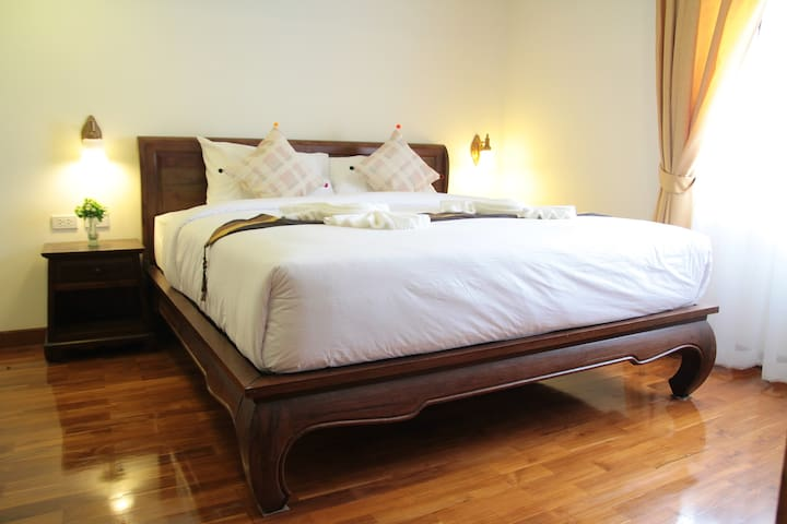 Superior Double Room Center of Chiang Mai - Chiang mai - Bed & Breakfast