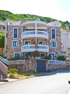 Апартаменты 500 м от моря 4 этаж 5 - 布德瓦 - 公寓