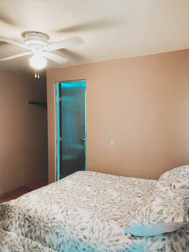 Habitación independiente con la mejor ubicación.