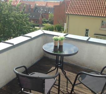 Værelse i Horsens C med altan - Horsens - Bed & Breakfast