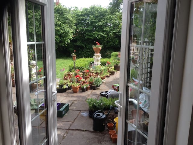 Double room in Country House close to Iscoyd Park - Whitchurch - Casa