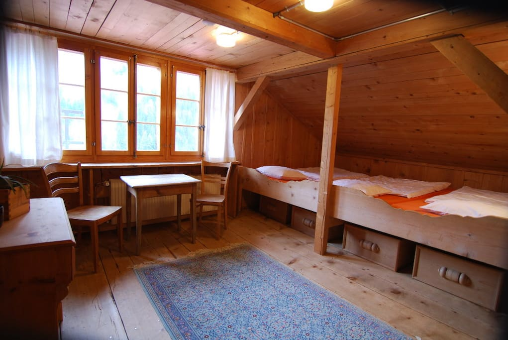 Sleeping room: Dorm for up to 5 people