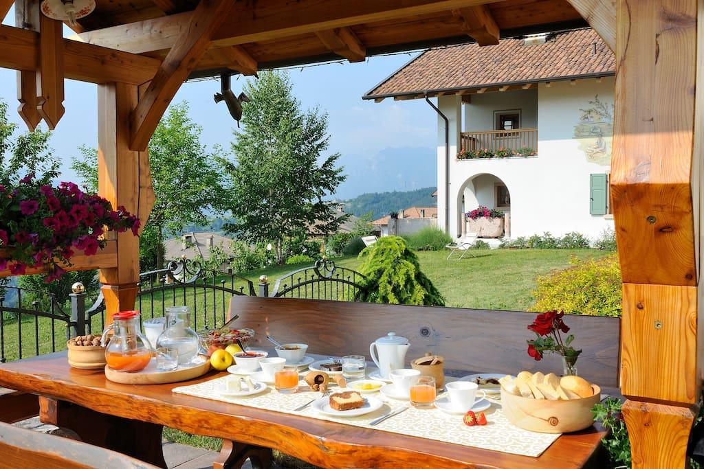 colazione all'esterno