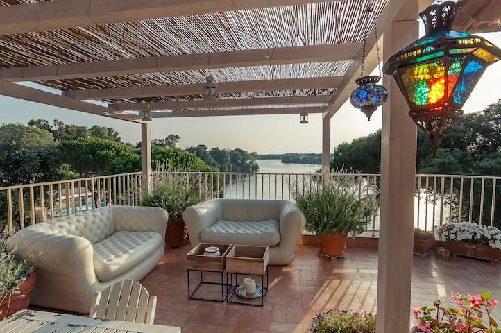 Charming apartment with lake view  - Sabaudia - Huis