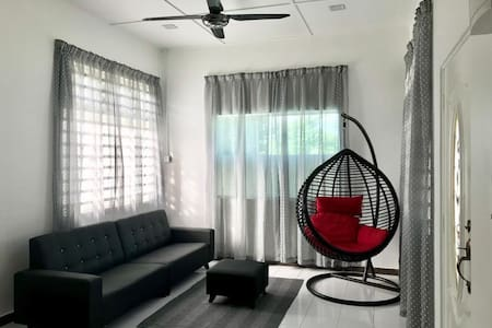 Pekan Selesa Homestay 4 Bedrooms with Astro