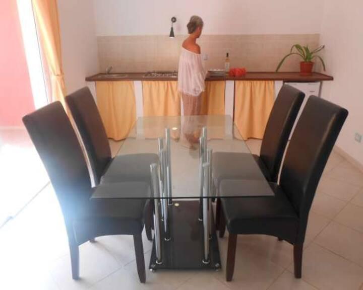 Basic flat n°5 praia antonio sousa
