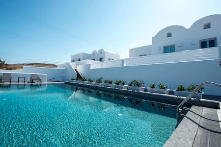 Sea&Sand luxury villas with private pool by beach! - Exo Gialos Karteradou - (ไม่ทราบ)