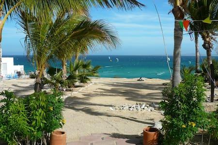 Beachfront w/AC and w/private bath - La Ventana
