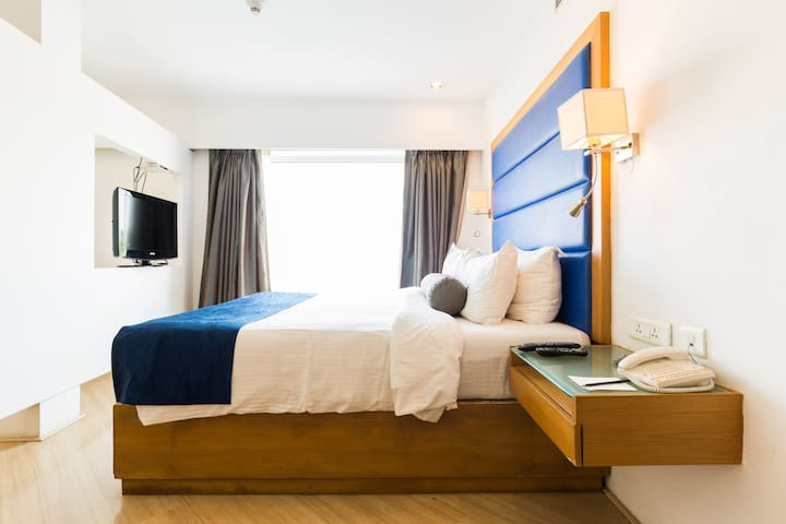 Property No 2 - Hyderabad - Bed & Breakfast