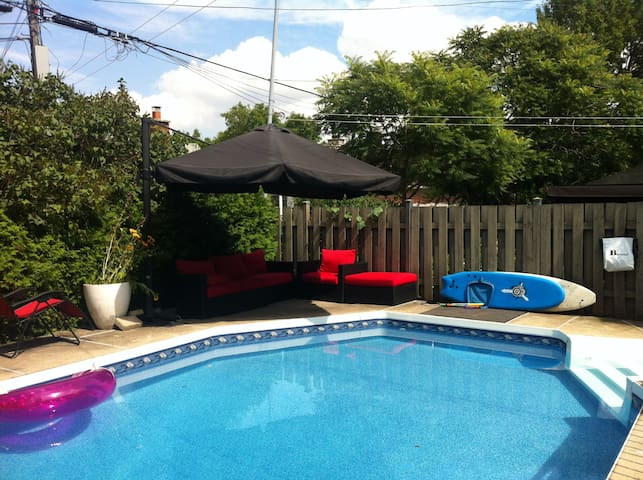 5 br home with pool near to subway station