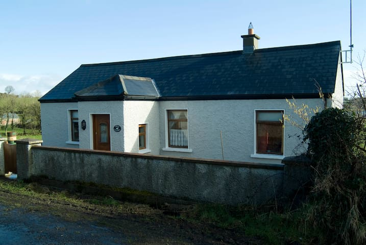 Swan Cottage - County Mayo - West of Ireland - Mayo - Bungalow
