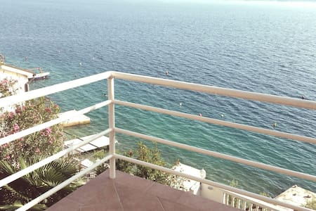 Sunny apartment with sea view - Lokva Rogoznica - Lakás