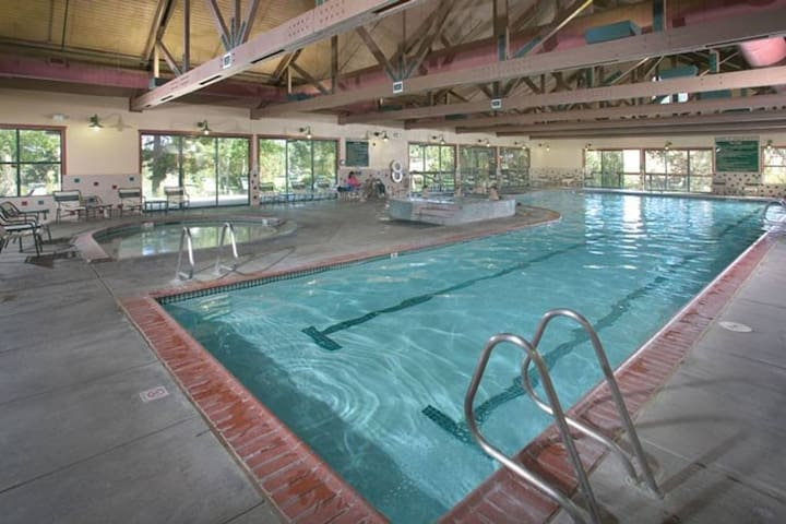 AREA ACTIVITIES: Indoor pool, dry sauna, wading pool and hot tub for aquatic fun on site.  Mon-Sun 6:30a to 9:30p.  Sign up for an Aqua Fit class