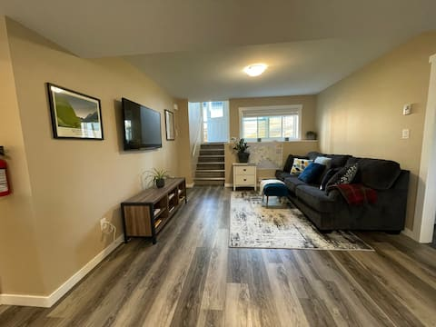 Modern 1 bedroom suite with free onsite parking