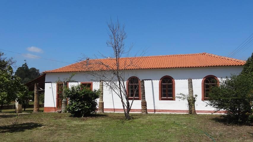 Casa do Celeiro Dr. Eduardo Santhiago